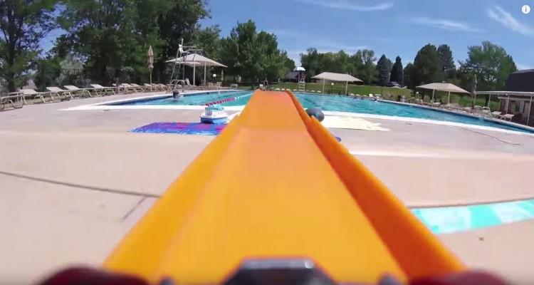ミニカーにカメラを付けて爆走!ジェットコースターのような爽快動画。
