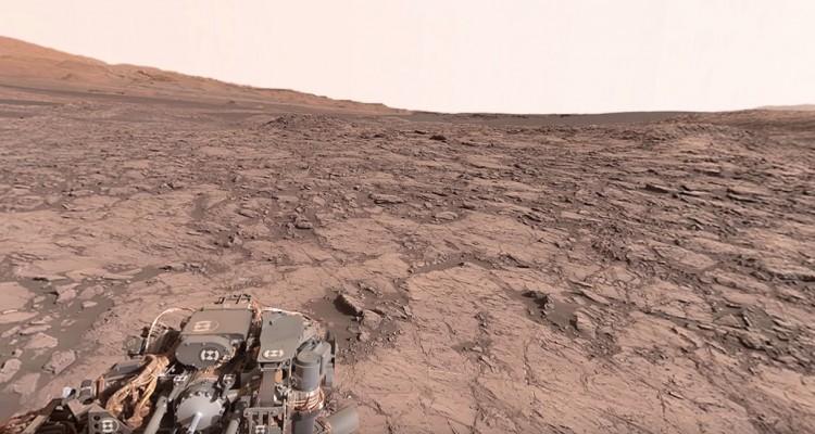 NASAが探査機から撮影した火星の様子。360度見渡せます