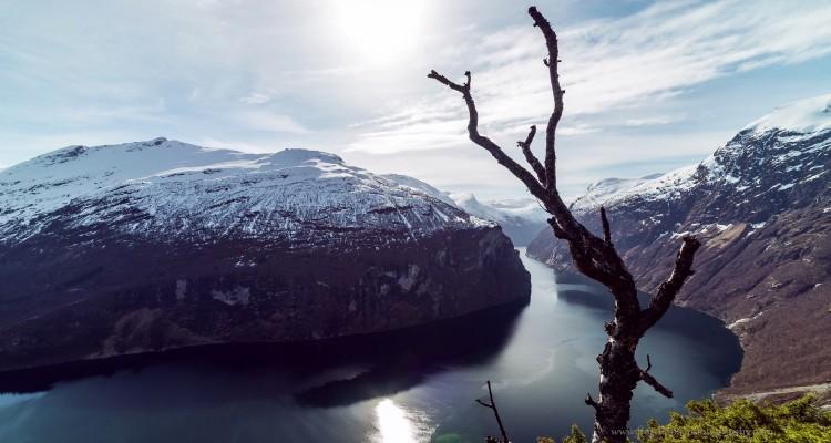 ノルウェーのフィヨルドをタイムラプスで撮影。壮大な自然に感動!