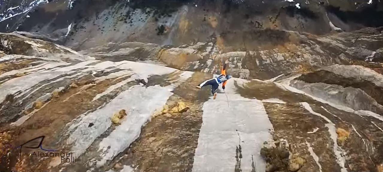wingsuit-02