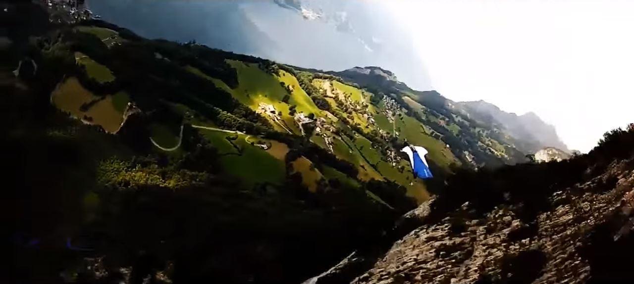 wingsuit-03