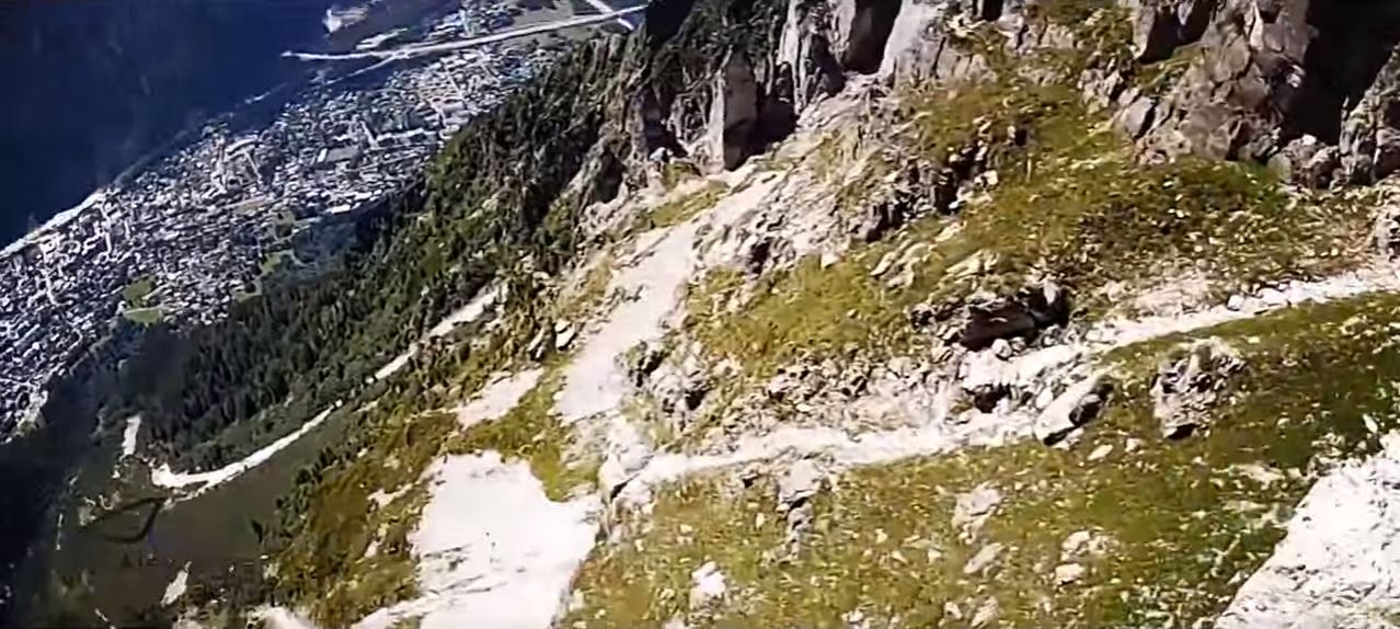 wingsuit-05