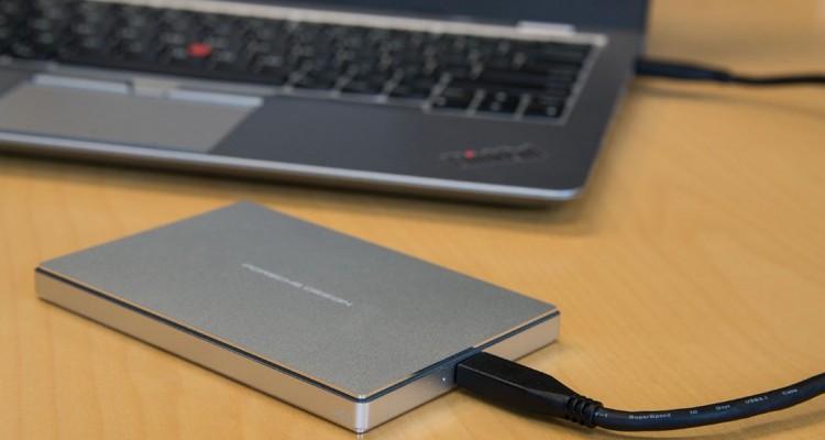 大切なデータを守る!PCのバックアップ手段について。