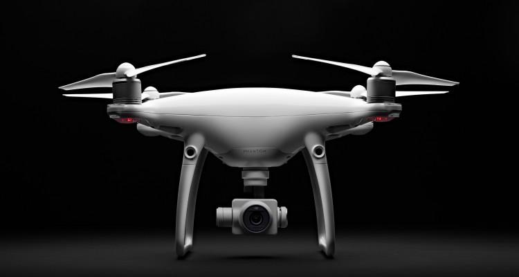 4K/60fpsで撮影可能に!DJIがドローンの新製品「Phantom 4 Advanced」を発表!