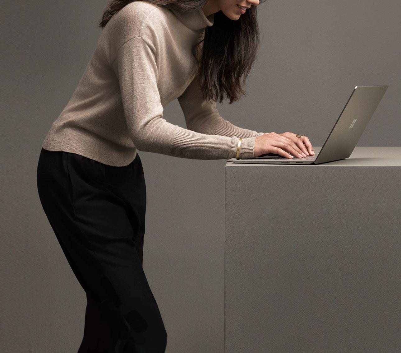 Surface Laptop 06