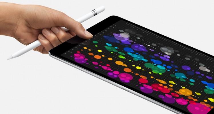 9.7インチ版とほぼ同じサイズで大画面!Appleが10.5インチのiPad Proを発表!