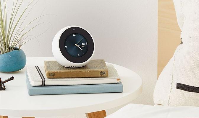Amazonから置時計型のスマートデバイス「Echo Spot」が登場!
