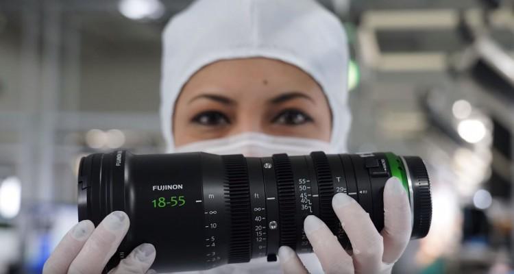 FUJINONレンズの組み立て光景。富士フィルムの工場見学動画!