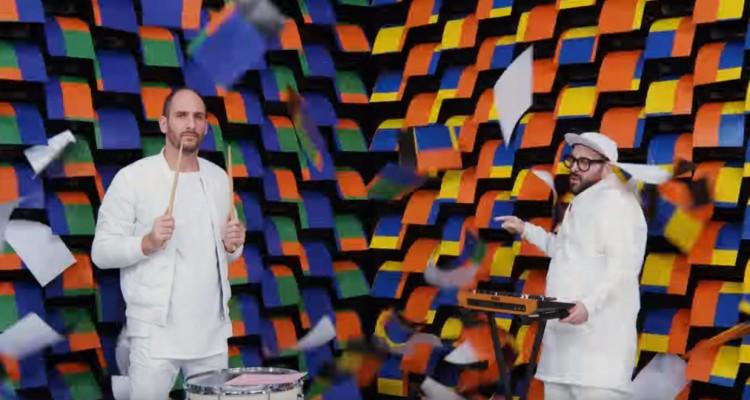 567台のプリンターが背景!OK GoのMV「Obsession」が凄い!